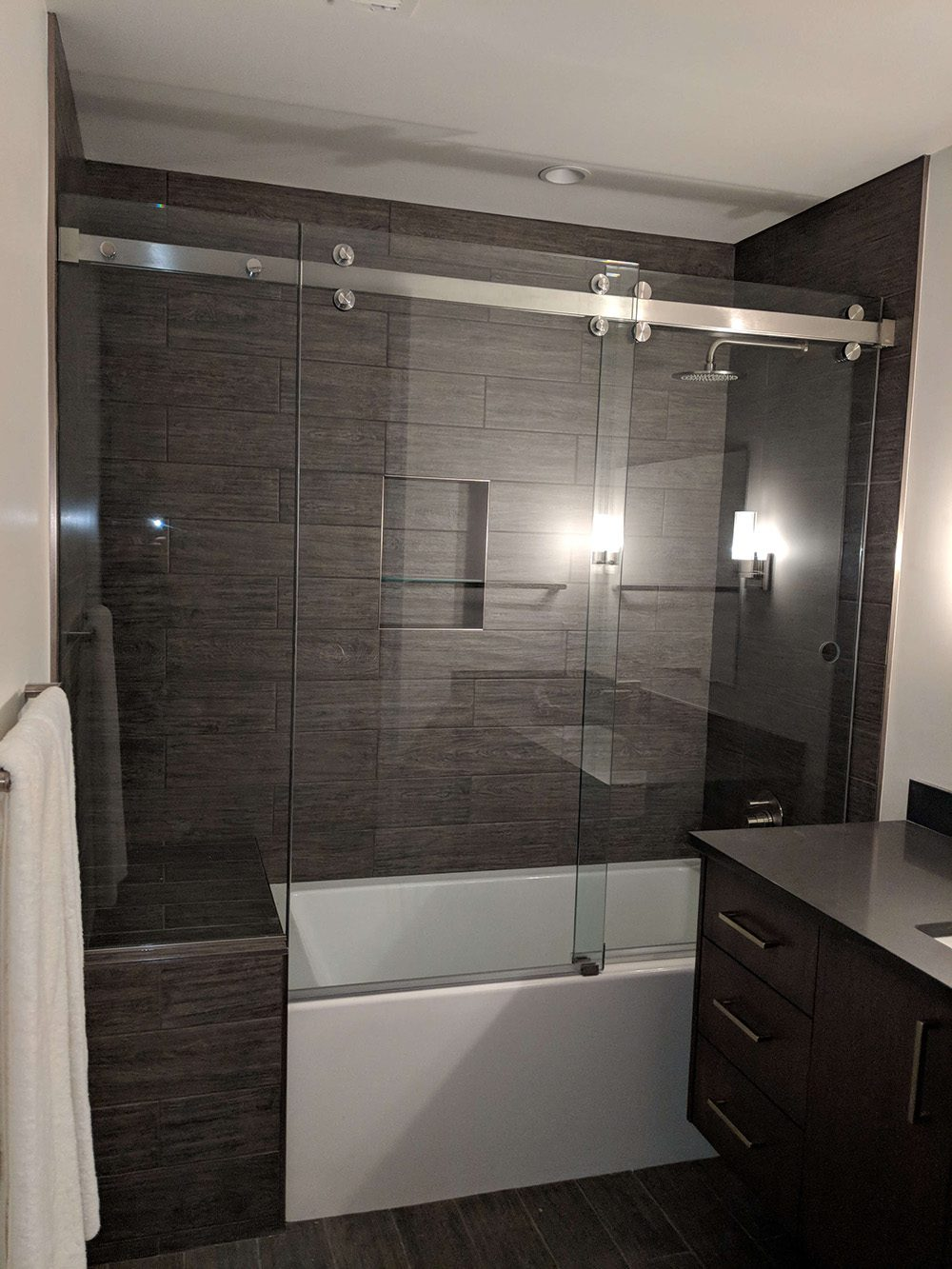 shower and mirrors 3